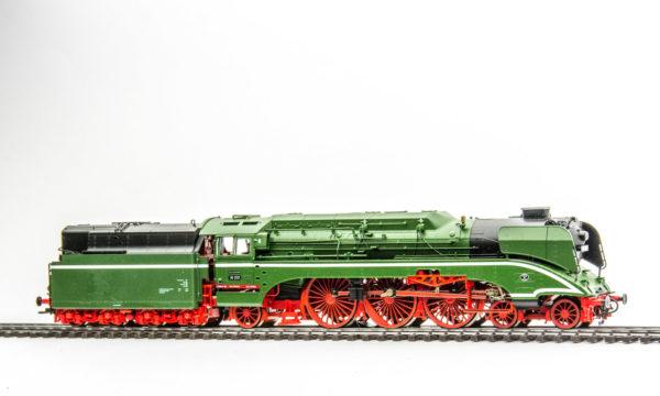 Roco 69201 Class 18 Steam Locomotive