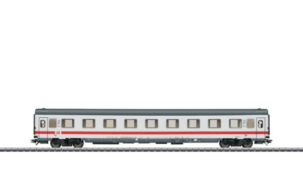 Märklin 43660 InterCity 2nd Class Compartment Car
